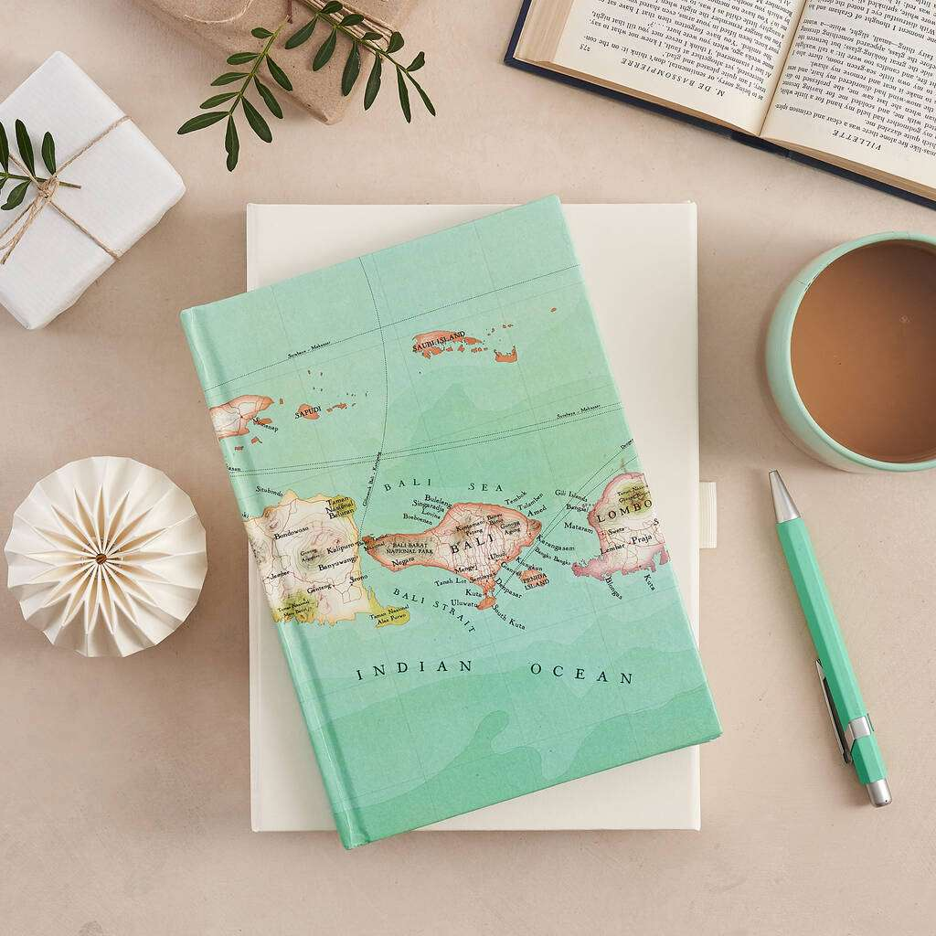 Travel journal with map
